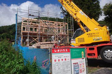 岡谷市長地梨久保2建売住宅 段々と建物の様子が見えてきました。