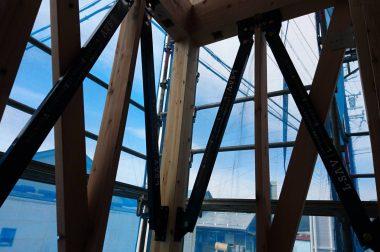 諏訪市中洲建売住宅 制震装置が設置されました!
