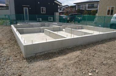 諏訪市中洲 建売住宅 サンライフハウス中洲Ⅱ 基礎が完成しました。